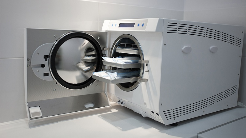 machine for sterilizing medical equipment