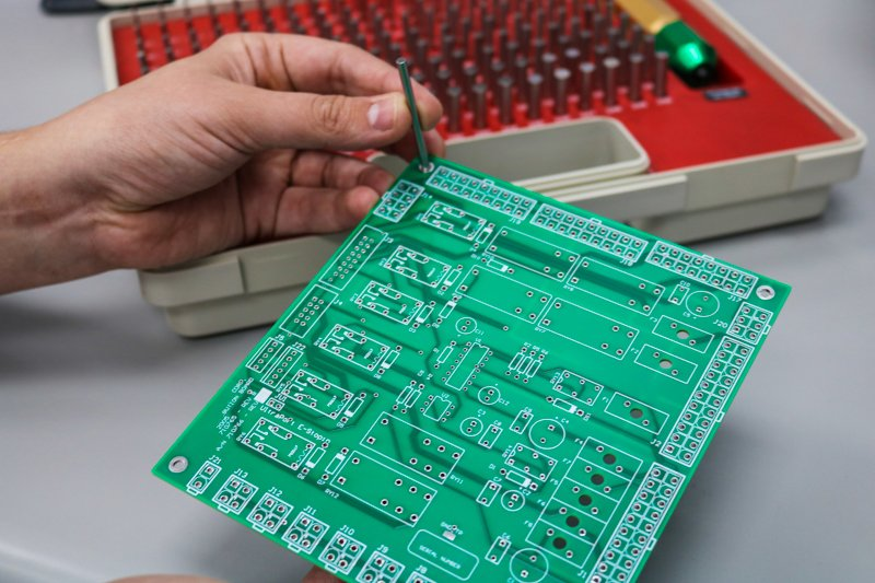 PCB inspected for finished drill hole sizes
